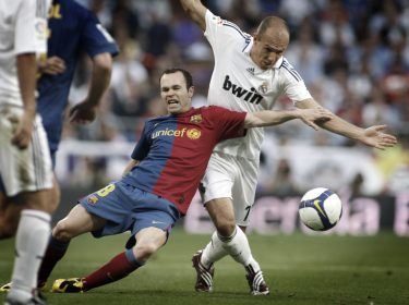 Iniesta/Robben football